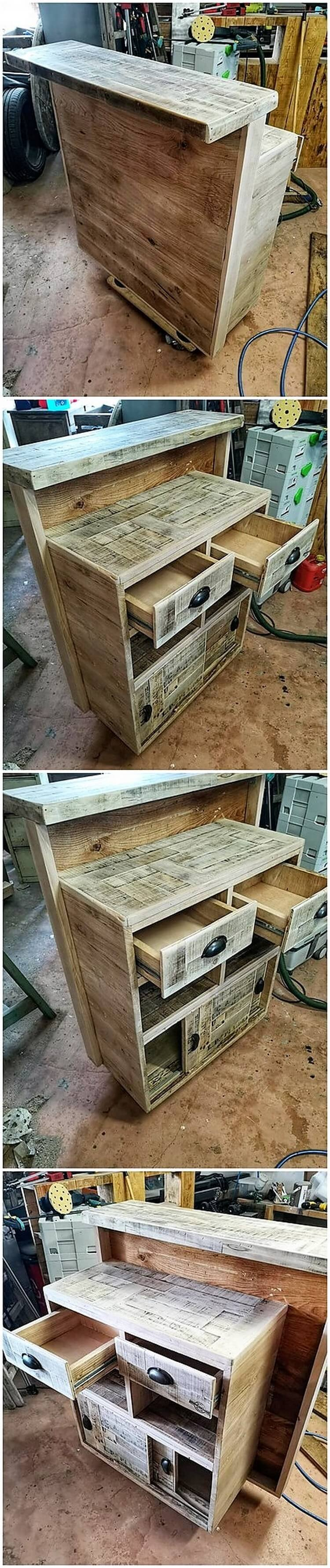 Pallet Reception Desk