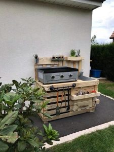 Shipping Pallet Outdoor Kitchen