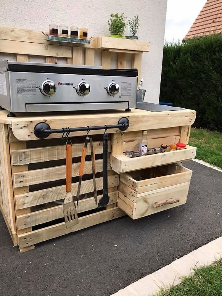 Wood Pallets Outdoor kitchen