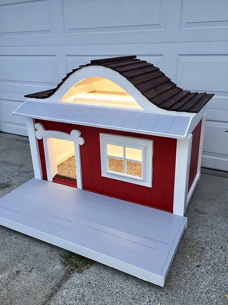 Easy Pallet Dog House
