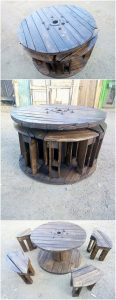 Pallet Table with Seats