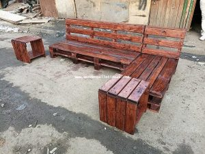 Recycled Pallet Outdoor Couch