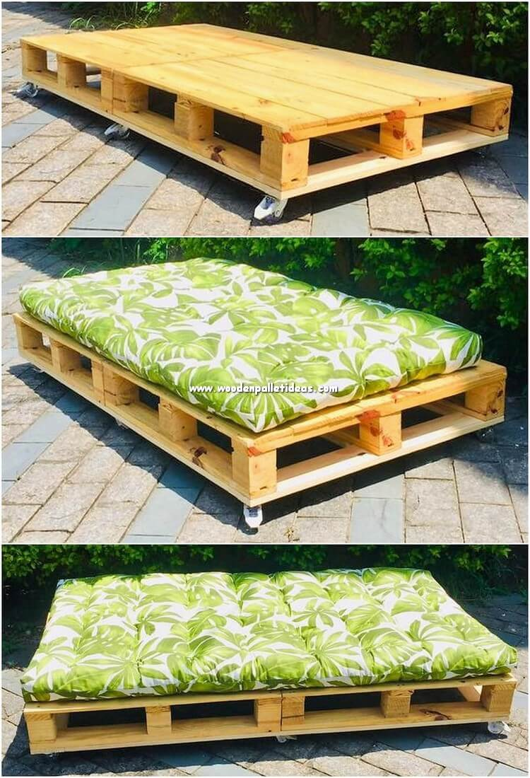 Pallet Daybed on Wheels