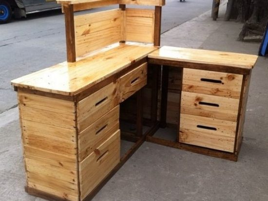 Ultimate DIY Ideas to Reuse Scraped Wood Pallets