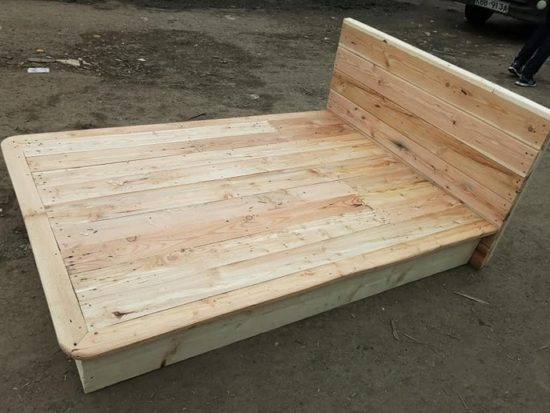 Inexpensive DIY Creations with Shipping Pallets