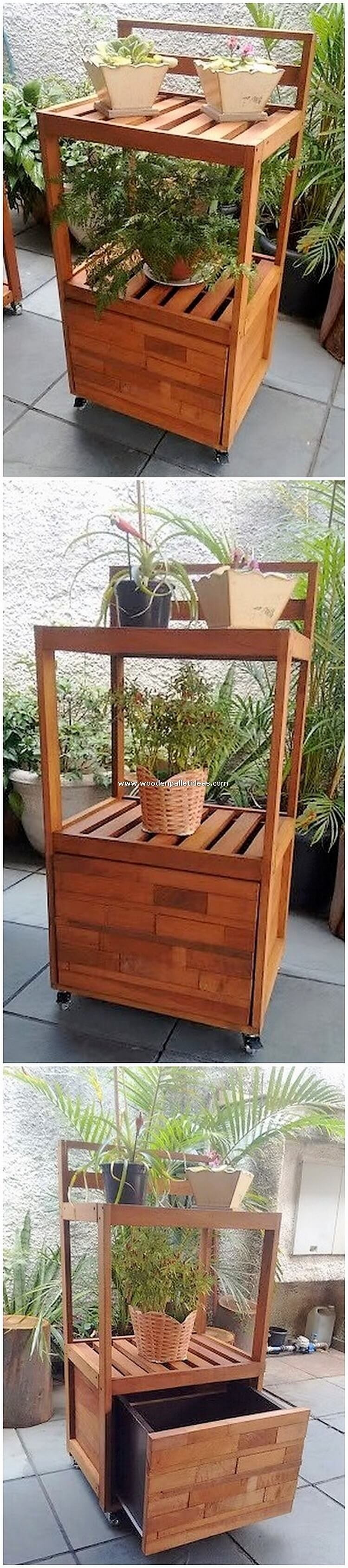 Pallet-Pots-Stand-or-Side-Table
