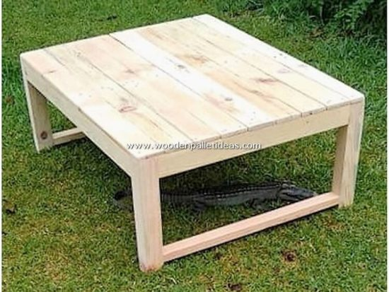 Outstanding Wooden Shipping Pallet DIY Projects